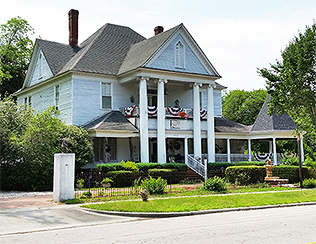 Ehrhardt Hall Bed & Breakfast